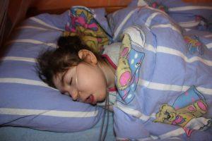 zuzia spi pod tlenem