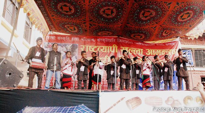 2016-nepal-pharping-basuri-konkurs__wystep